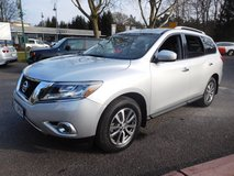 2015 NISSAN PATHFINDER SV 4 X 4 & 3rd ROW in Spangdahlem, Germany