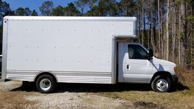 2007 Ford Box Truck 17ft in Camp Lejeune, North Carolina