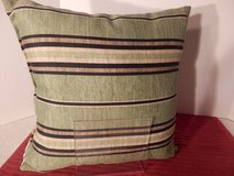 "14 x 14"" Green Pillow in Aurora, Illinois"