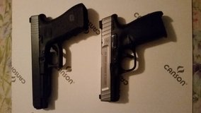 Glock 35 Gen 3 and S&W pistols in Camp Pendleton, California