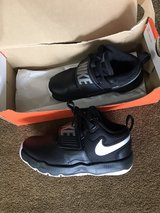 Boys size 13c us Nike shoes in Yokota, Japan