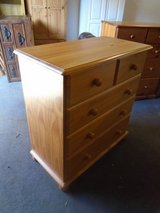 Pine chest of drawers 2 over 3 in Lakenheath, UK