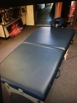 oakworks aurora Massage table in 29 Palms, California