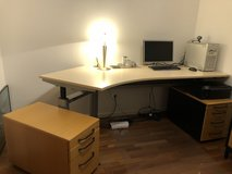 Electric powered office table with 2 drawers in Ramstein, Germany