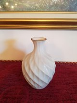 SMALL LENOX VASE in Fort Campbell, Kentucky