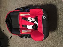 Baby Trend Car seat And Base in The Woodlands, Texas