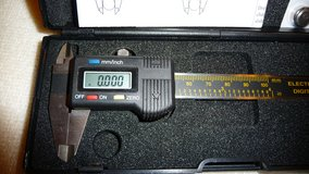 4 Inch Digital Micrometer Caliper..... measures mm and inches. in Okinawa, Japan