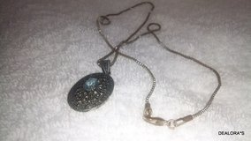 Antique Oval Filigree Pendant Necklace in Shreveport, Louisiana