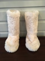 PB Teen Faux Fur Slipper Boots - Size 6-7 in Chicago, Illinois