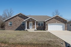 Beautiful 3 bed 2 bath home For Rent in Fort Leonard Wood, Missouri