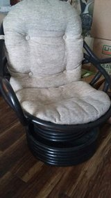 SWIVEL CHAIR in Clarksville, Tennessee