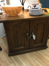 TABLE - SQUARE OAK 26x26 in Clarksville, Tennessee