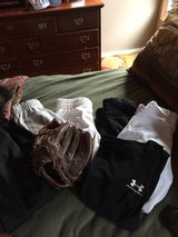 Youth / woman's softball gear in Clarksville, Tennessee