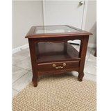 Beautiful End Table/ night stand in Clarksville, Tennessee
