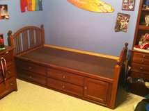 Stanley twin captain's bed in Westmont, Illinois