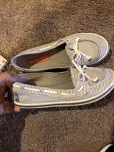 billabong size 6 in Fort Leonard Wood, Missouri
