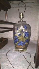vintage glass/flowers lamps in Topeka, Kansas