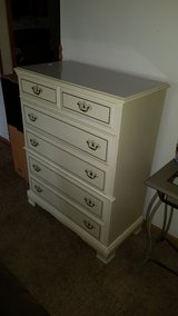 white Bassett 5 drawer dresser in Shorewood, Illinois