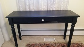 Table console, laptop,sofa in Chicago, Illinois