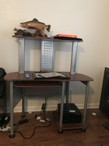 Desk for sale in Fort Leonard Wood, Missouri