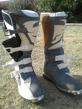 *Reduced* Quadrant mens motocross boots size 9 in Alamogordo, New Mexico