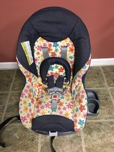 Navy with flowers toddler car seat (Graco) in Aurora, Illinois