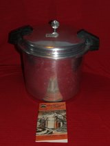 Vintage Aluminum Pressure Cooker Mirro-Matic 22qt in Oswego, Illinois