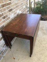 Drop-leaf table in Beaufort, South Carolina