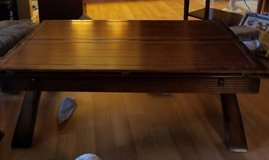 Solid wood coffee table (opens to 2x its size) in Yorkville, Illinois