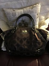 Beautiful Coach Handbag in Glendale Heights, Illinois