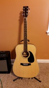 Full sized acoustic guitar w/case in Fort Lee, Virginia