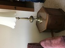 End tables & lamps in New Lenox, Illinois