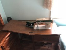 Singer Fashion Mate Sewing Machine in Fort Knox, Kentucky