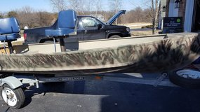 1976 14 foot Alumacraft fishing boat in Sandwich, Illinois