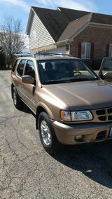 Isuzu Rodeo LSE 4WD Low Mileage BEST OFFER - CLEAN in Westmont, Illinois