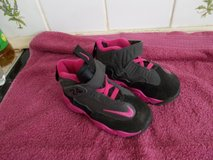 Infant Nike Trainers - UK 5.5 in Lakenheath, UK