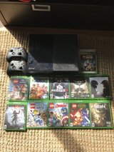 Xbox One, 2 controllers, Kinect, & 12 Games in Westmont, Illinois