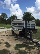 2017pontoon boat 20' with 90 hr mercury 4 stroke in Leesville, Louisiana