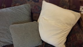 Overstuffed  Couch Pillows in Fort Riley, Kansas