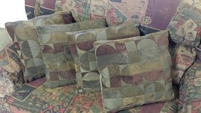 Throw Pillows in Fort Riley, Kansas