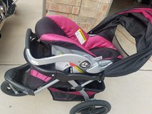 Jogging stroller and infant carseat set in Lawton, Oklahoma