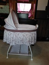 Delta baby bassinet in Fort Benning, Georgia