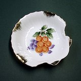 Ceramic Shell Soap Dish or Pin Tray, Gold Trim, Japan in St. Charles, Illinois