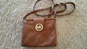 Michael Kors crossbody in Glendale Heights, Illinois