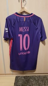 FC Barcelona Lionel Messi Jersey Size XL fits L worn once in Ramstein, Germany