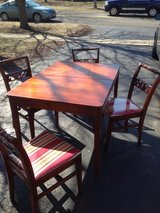 Wooden table & 4 chairs in Aurora, Illinois