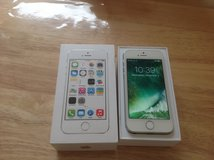 Apple iPhone 5s, 64gb Factory Unlocked Silver in Wiesbaden, GE