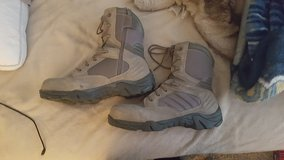 Size 11 steel toe green boots in Vacaville, California