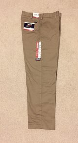IZOD KHAKIS AMERICAN CHINO-WRINKLE FREE-CLASSIC FLAT FRONT MENS 33/32 in Tinley Park, Illinois
