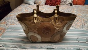 COACH CIRCULAR LEATHER HANDBAG/ PREOWNED in Pleasant View, Tennessee
